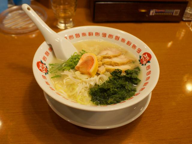鶏パイタン麺:太陽のトマト麺