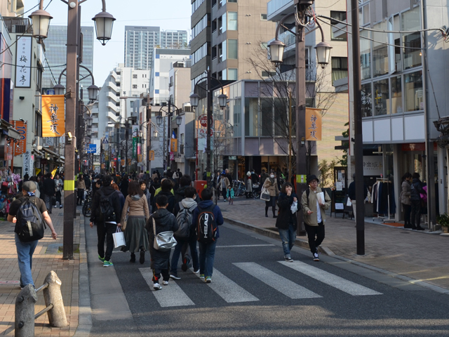 神楽坂通り-神楽坂散歩