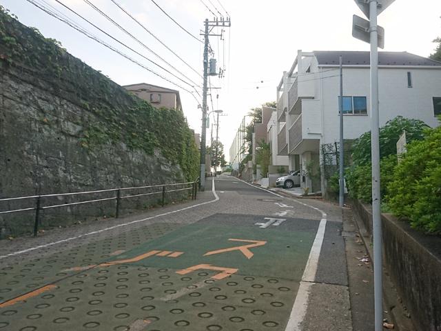 文京区関口台公園横の鳥尾坂