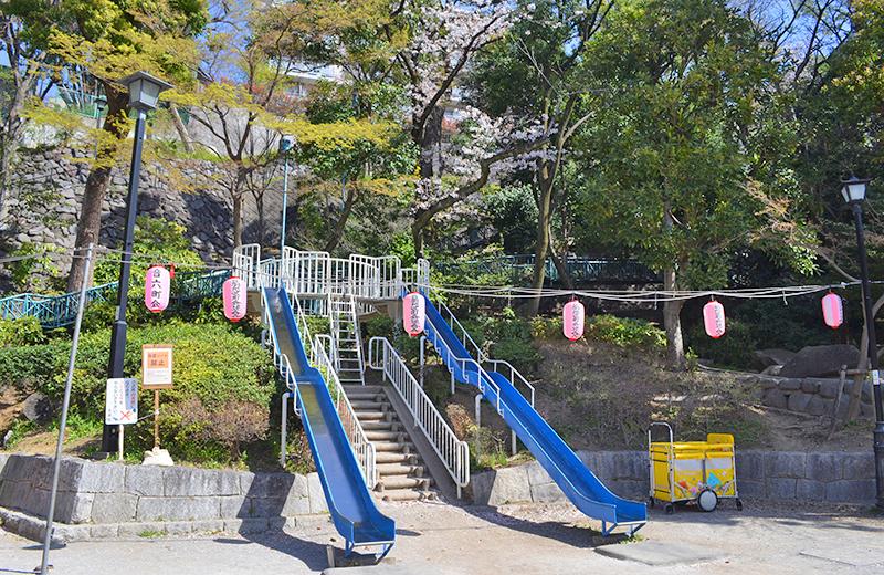 江戸川公園、大滝橋前の広場